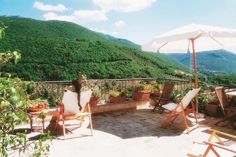 http://www.latorrettabandb.com/bb/wp-content/uploads/2013/10/terrazza.jpg
