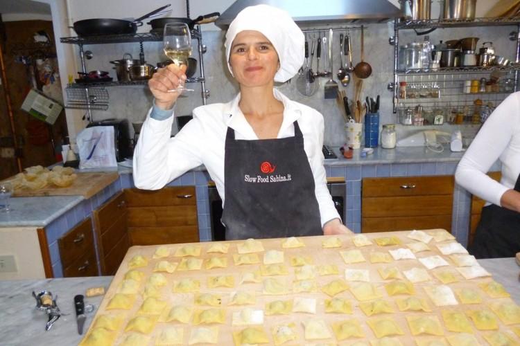 http://www.latorrettabandb.com/bb/wp-content/uploads/2015/11/cooking-023-750x500.jpg