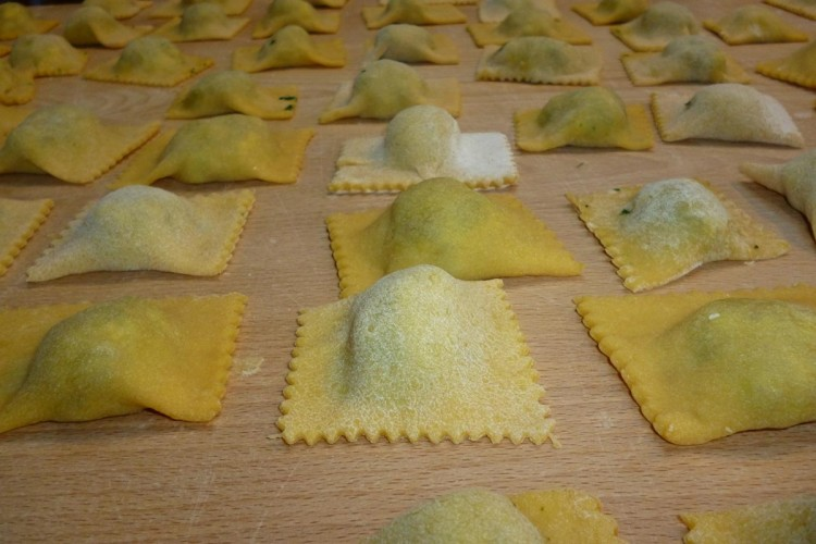 http://www.latorrettabandb.com/bb/wp-content/uploads/2015/11/cooking-030-750x500.jpg