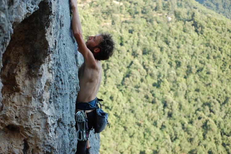 http://www.latorrettabandb.com/bb/wp-content/uploads/2015/12/local-climbing-750x500.jpg